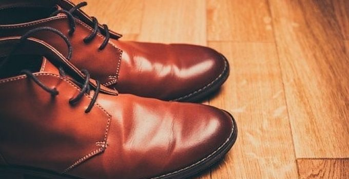 How to get creases out of your Leather shoes without iron