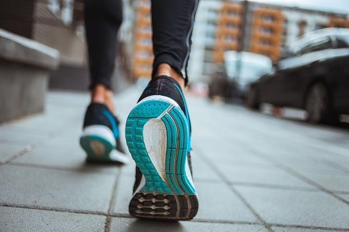 Best Shoes For Achilles Tendonitis 2021 – Review &  Buyer's guide